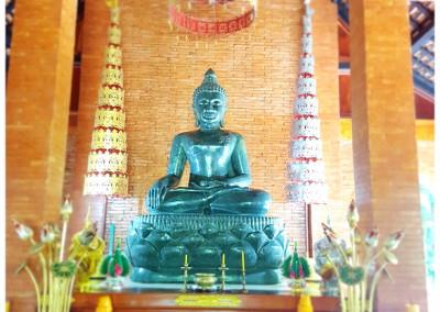 พระหินหยก วัดจำปา Chiang Khong