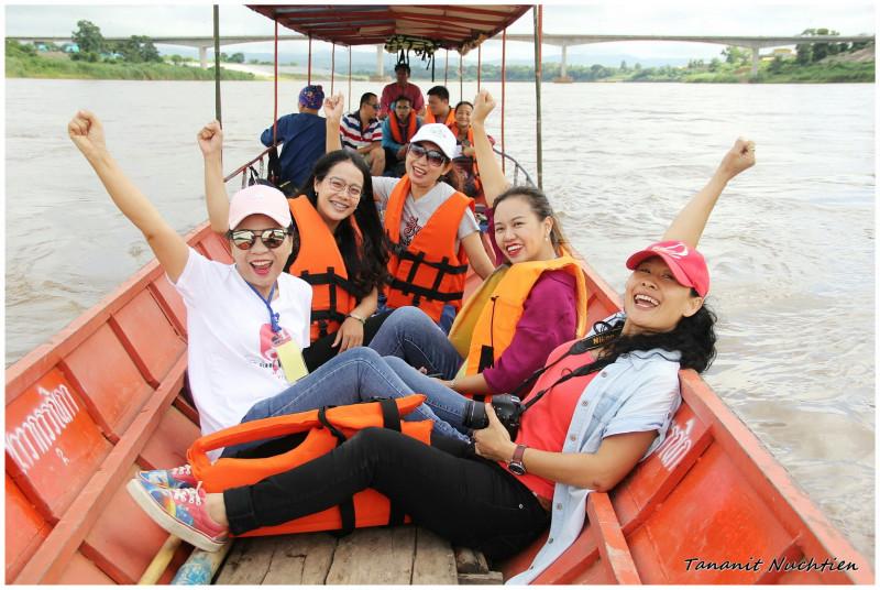 boat trip chiang khong to pha dai