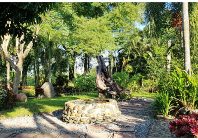 tropical gardens at chiang khong hotel